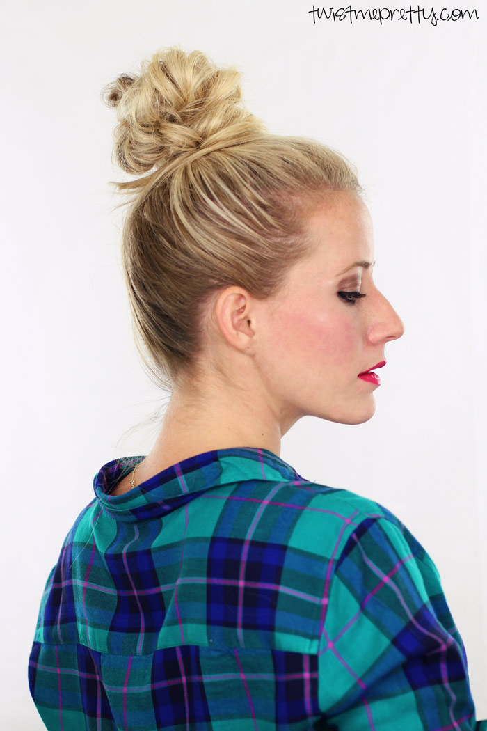 Salty Blonde's Friday Finds : Fluffy Top Knot